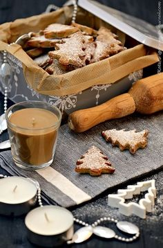 Cinnamon Christmas trees... you can almost smell them! Ana Rosa