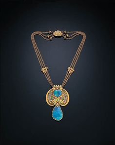 Necklace | Louis Comfort Tiffany.  Black opals, demantoid garnet, sapphire, enamel, gold  (c.1915-1920)