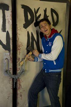 Halloween at Telltale: Ep. 4 Director Nick Herman demonstrates Ben's helpfulness
