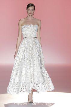 Los vestidos de novia de Hannibal Laguna foto 26...