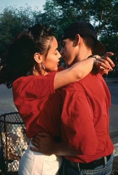 Kissing | From Bacalaitos and Fireworks by Arlene Gottfried (ode to Nuyorican life and style)