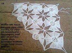 Hobby lavori femminili - ricamo - uncinetto - maglia: scialle punto fiore uncinetto