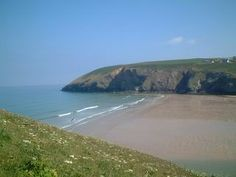 Mawgan Porth is very popular with surfers and has been listed in the top 20 beaches in the world. Beaches In The World, Best Location, Cornwall, Regency, Things To Do, Google Search, Water, Holiday, Outdoor