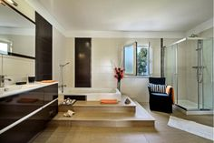 Casa Cristal  - Walk Up Bath