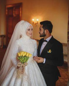 Weediinggg – My Wedding Dream Muslim Wedding Gown, Muslim Wedding Dresses, Muslim Brides, Wedding Hijab, Bridesmaid Dresses, Wedding Photography Poses, Wedding Poses, Wedding Couples, Bridal Hijab