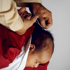 Salah satu sunah paling populer dalam kalangan kaum Muslimin adalah Aqiqah. Aqiqah adalah menyembelih kambing bagi bayi yang baru dilahirkan. Setiap bayi yang dilahirkan merupakan gadaian yang harus ditebus dengan aqiqah.  Sesuai dengan tuntunan Rasulullah s.a.w. dalamHadist Ibnu Majah...