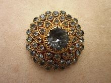 Vendome Outstanding 5 layer Signed Vintage Brooch