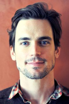 Matt Bomer, the hair. the eyes, the stubble. he is who E L James had in mind when she was writing the trilogy! American Horror Story, Glee, Matt Bomer White Collar, Magic Mike, Christian Grey, Celebrity Dads, Celebrity Style, Attractive Men, White Hair
