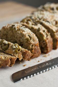 Szybki chleb wielozbożowy z oliwkami na Światowy Dzień Chleba