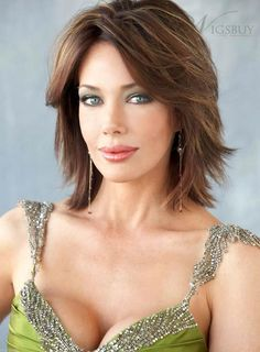 All of our human hair wigs are made from high quality human hair. Because of luxury & comfort, many people love human hair wigs. Shop the best human hair wigs now. Best Bob Haircuts, Bob Haircuts For Women, Short Hairstyles For Women, Layered Hairstyles, Trendy Haircuts, Modern Hairstyles, Remy Human Hair, Human Hair Wigs, Medium Hair Styles