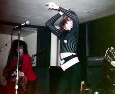 David Johansen do the New York Dolls no Max's Kansas City, 1973.