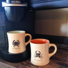 In love with these adorable crab coffee cups that @ammyers87 found at TJ's!