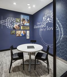 This well-established jewelry retailer revamps its customer journey (more: http://vmsd.com/content/portfolio-zales-el-paso-texas) Photography: Richard Cadan, Fairfield, Conn.