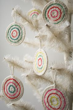 This year the Purl Bee is celebrating Christmas with the sweetest inspiration we know: candy! From rolling...