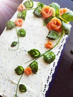 Good Food, Yummy Food, Sandwich Cake, Food Trays, Diy Cake, High Tea, Afternoon Tea, Food Art, Yummy Treats