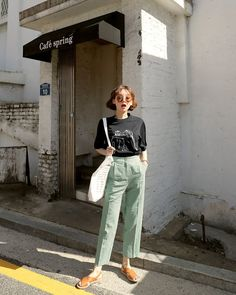 Korean Fashion Trends you can Steal – Designer Fashion Tips Korean Fashion Trends, Korean Street Fashion, Korea Fashion, Trendy Fashion, Fashion Models, Fashion Outfits, Womens Fashion, Young Fashion, Fashion Designers