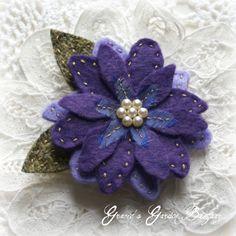 feltro flower pin