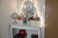 Furniture Interior Graceful Makeup Table For Beauiful Dressing Room Design Nice White Single Oval Mirror Vanity Dresser Furnishing Ideas