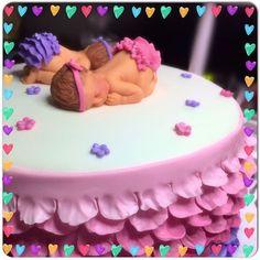 #sleepingbaby #caketopper #babyshower #cake #fondant #babygirl #pinkandpurple #rufflebabyshowercake #fondantart #cakeart #fondantcake #cakeboss #ruffletrim #caketoppers #twins  #sleepingbabycake #wiltoncakes #babyshowercake