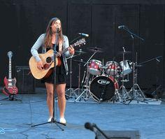 #girl #guitar #girlwithguitar #Acoustic Guitar #Raw Talent