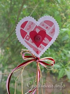 Free Spring and Easter Paper Crafts for Kids - Heart Plant Poke Christmas Arts And Crafts, Valentine Crafts For Kids, Paper Crafts For Kids, Mothers Day Crafts, Diy Arts And Crafts, Fall Crafts, Creative Gift Wrapping, Shape Crafts, Parents