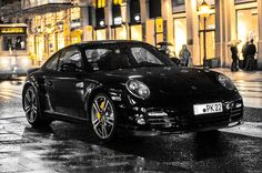 All wet. Featuring Porsche 911 Turbo (Type 997 MK2). Photo by T. König.