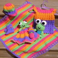 Love the bright colors of the lovey! || Creekside Crochet: Free Patten: Lovey Dovey baby toy blanket