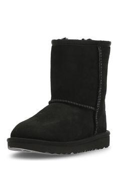 UGG Boots Classic II, Leder/Lammfell, Gr.22-29 schwarz Jetzt bestellen unter: https://mode.ladendirekt.de/damen/schuhe/boots/sonstige-boots/?uid=65cc92e8-cab7-5489-bd00-57868261c91d&utm_source=pinterest&utm_medium=pin&utm_campaign=boards #boots #sonstigeboots #schuhe #bekleidung Bild Quelle: brands4friends.de