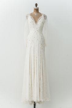 Jenny Packham Silk Lace Long Sleeves Gown - S Backyard Wedding Dresses, Boho Wedding Dress, Jenny Packham, Long Sleeve Lace Gown, Dress Rental, Bridal Gowns, Wedding Gowns, Wedding Ceremonies, Lace Weddings