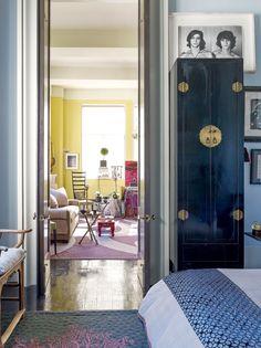 Cacá de Souza abre sua casa em NY Oversized Mirror, Furniture, Home Decor, Decoration Home, Room Decor, Home Furnishings, Arredamento, Interior Decorating