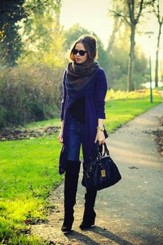 Blue Long Sweater With Printed Scarf And Black Leather Boot