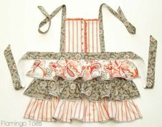 Ruffles & Buttons Apron » Flamingo Toes.  instructions to make it.