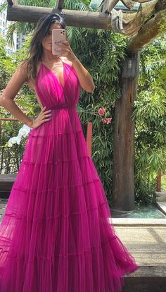 60 fuchsia dresses for bridesmaids, Fuchsia bridesmaid dress: check out 60 long bridesmaid dresses on the beach, at church and in the countryside. In the photo: long fuchsia party dress. Straps Prom Dresses, Tulle Prom Dress, Long Bridesmaid Dresses, Spaghetti Strap Dresses, Chiffon Dress, Party Dress, Spaghetti Straps, Fuchsia Dress, Look Chic