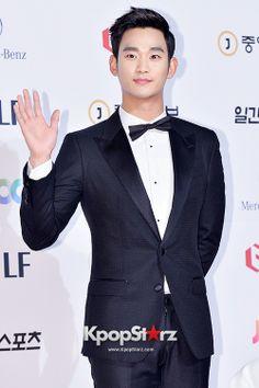 Kim Soo Hyun at The 50th Annual Baeksang Arts Awards - May 27, 2014 [PHOTOS]
