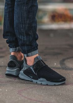 Find More at => http://feedproxy.google.com/~r/amazingoutfits/~3/rpUjoxrTH5Q/AmazingOutfits.page Cheap Nike, Nike Shoes Cheap, Nike Shoes Outlet, Nike Free Shoes, Nike Free Runs, Nike Running, Running Shoes, Hypebeast, Streetwear
