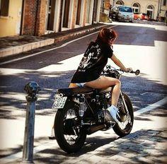 Just a girl & her bike : Photo