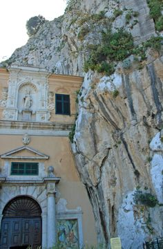 Sanctuary of Santa Rosalia. It stands at the very top of Monte Pellegrino (Pilgrim's Mountain), which overlooks the whole bay of Palermo. Southern Europe, Southern Italy, Places To Travel, Places To Visit, Palermo Sicily, Sicily Italy, Italian Life, Italian Style, Place Of Worship