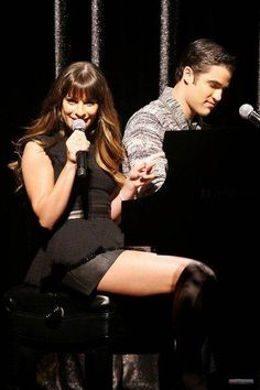 "Darren and Lea Michele singing Bob Dylan's ""Make You Feel My Love"" at the Glee Press Conference"