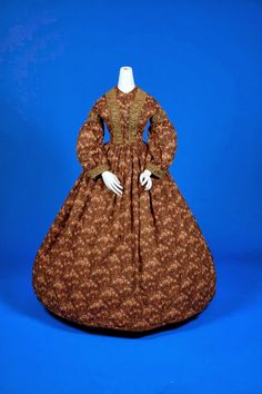 Brown wool challis with floral spray print, 1860s