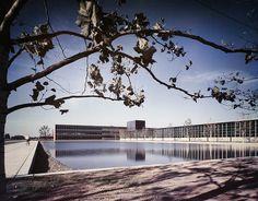 Eero Saarinen, General Motors Technical Center. Warren, Michigan, 1956. Photographer Ezra Stoller. © Ezra Stoller/Esto.