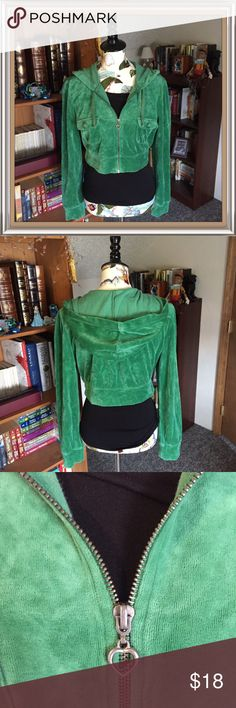 💠New Listing💠 Arizona-Green Velvet Jacket ☘️🍀🌸EUC! Perfect jacket just in time for St. Patty's Day! Cute zipper and stylish crop top length.🌸🍀☘️💸Free Shipping on bundles with three or more items. After you bundle your three items, make an offer with $6 off the discounted bundled price.💸 Arizona Jean Company Jackets & Coats