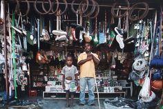 Occupations (depuis 2011) de Filipe Branquinho (Mozambique). Photoquai 2013. Vu le 21 et 26 septembre 2013.