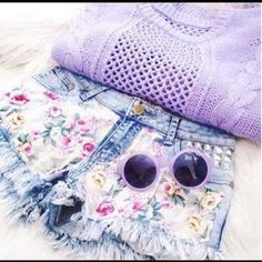 Love the floral shorts and pastel purple sweater i need; Teen Fashion, Love Fashion, Style Fashion, Indie Fashion, Fashion Killa, Modern Fashion, Fashion Details, Fashion Addict, Daily Fashion