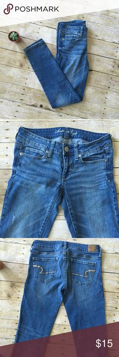 AEO Skinny Jeans Very gently worn! American Eagle Outfitters Jeans Skinny