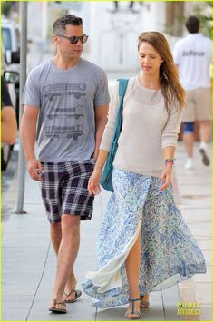 Ignore the husband...Jessica Alba shows us the best of holiday style in St. Barts