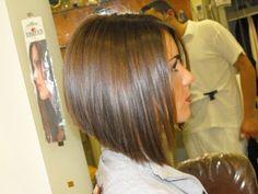 Graduated Bob Haircut - Trendy Short Hairstyles for Women