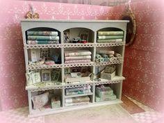 miniature meuble de mercerie-maison de poupées- vitrine -scrapbooking-meuble patiné-shabby : Accessoires de maison par cannelle-miniatures