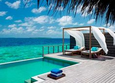 Luxe Conservation-Conscious Resorts - The Dusit Thani Maldives Resort is a Dream Destination (GALLERY)