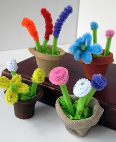 Styrofoam Cup Mini Spring Flower Pots Amanda Formaro has some of the best kids crafts ever on her blog craftsbyamanda.com. You can always find a great project to do with your kids here. That's the case with these mini spring flower pots made out of styrofoam. We are loving the idea and appreciating the detailed instruction. They are so cute, aren't they?