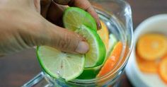 """How to Make Sassy Water. Sassy water is spruced up water named by Prevention magazine in honor of its inventor Cynthia Sass, who created it for the """"Flat Belly Diet"""". Sassy Water, Primal Recipes, Diet Recipes, Healthy Recipes, Juice Recipes, Healthy Choices, Healthy Life, Healthy Eating, Flat Belly Diet"""